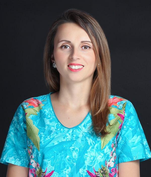 Dr. Ana Vînău